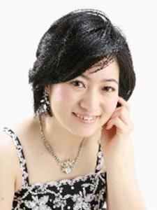 face photo of Ms. Hirano